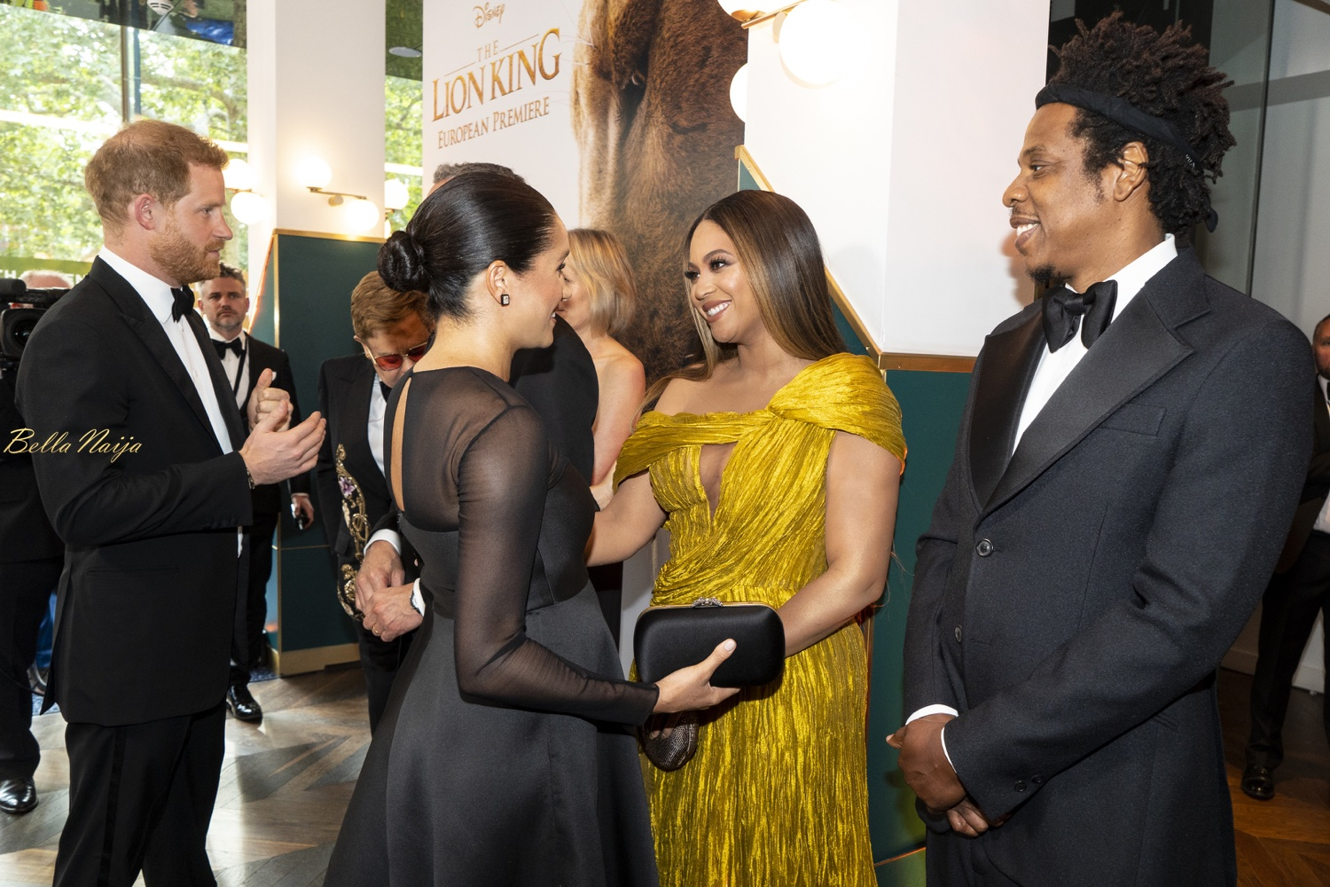 Vid+Photos: Beyonce And Meghan Markle Meet Publicly At 'The Lion King' UK Premiere In London