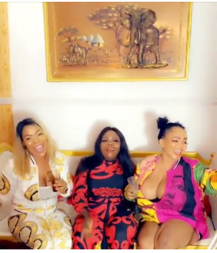 'Money Makes Me Wet' – Cossy Ojiakor Says As She Shakes Her Bum & B00bs While Partying (Video)