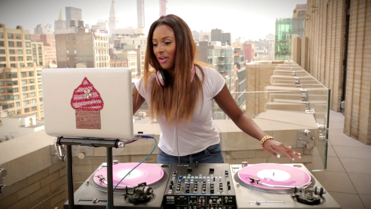 """Dj Cuppy Says """"80% Of Nigerian People Don't Like Her"""""""