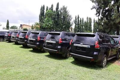PHOTOS: Gov. Akeredolu Buys Prado Jeep For All Judges In Ondo State